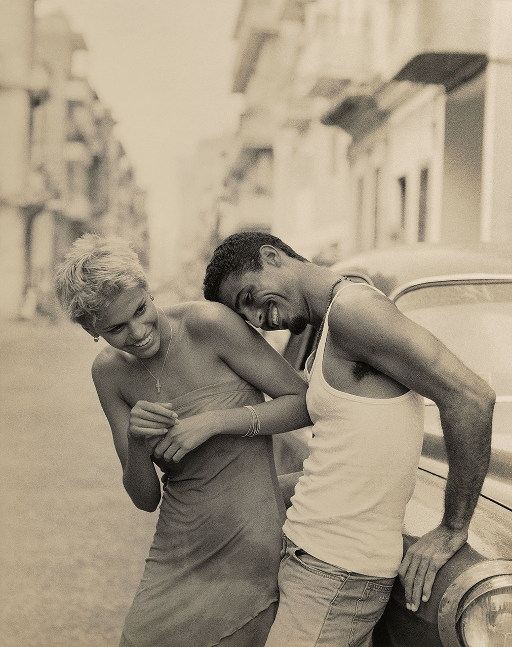 Cuba-Couple_Laughing2 sharpo.3 1276px 08