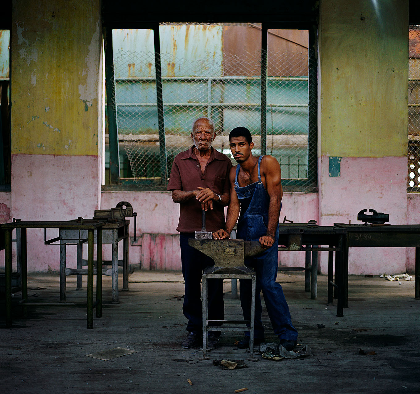 Cuba-Factory Old Man sharp0.5 1276px 08